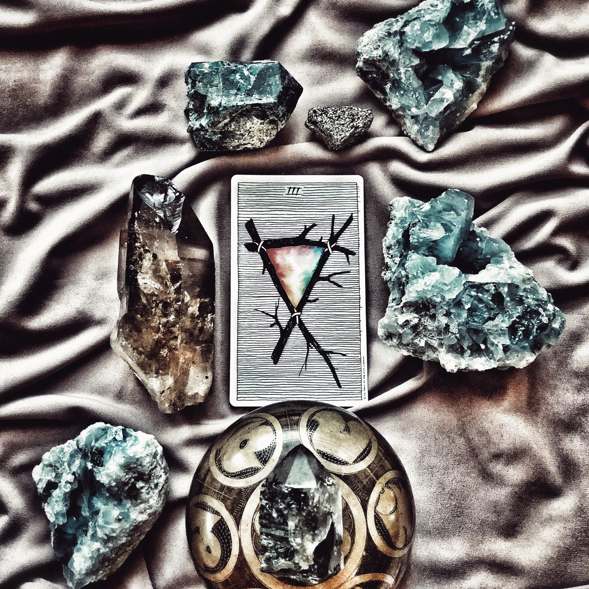 Three of Wands, The Wild Unknown Tarot